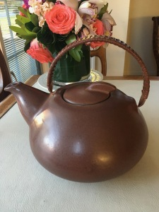 heath-ceramics-teapot